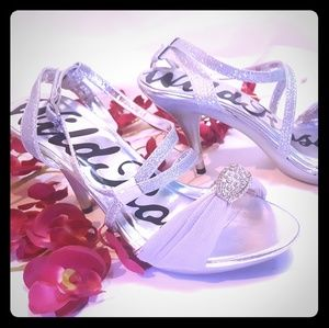 NEW Wild rose silver strappy heels